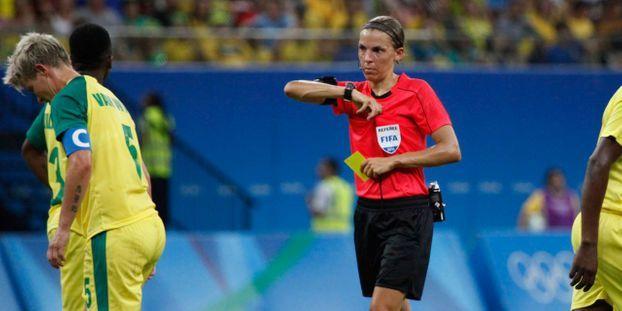 Ligue 1 : Stéphanie Frappart, première femme désignée arbitre centrale d'un match