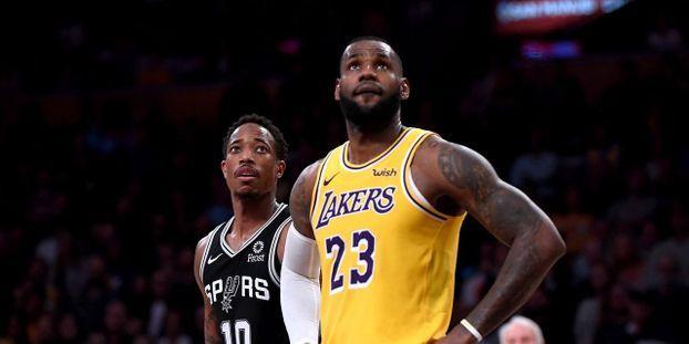 79151bbf16a0 VIDEO - NBA   LeBron James dépasse Michael Jordan et devient 4ème meilleur  marqueur de l histoire