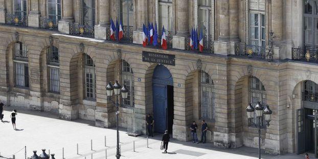 Le Site Du Ministere De La Justice Pirate Par Des Hackers Proches Des Gilets Jaunes Lors De L Acte 4