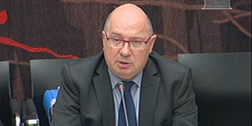 330 personnes gagnent plus qu'Henri Proglio chez EDF, soit 450000€/an, révèle un député PS