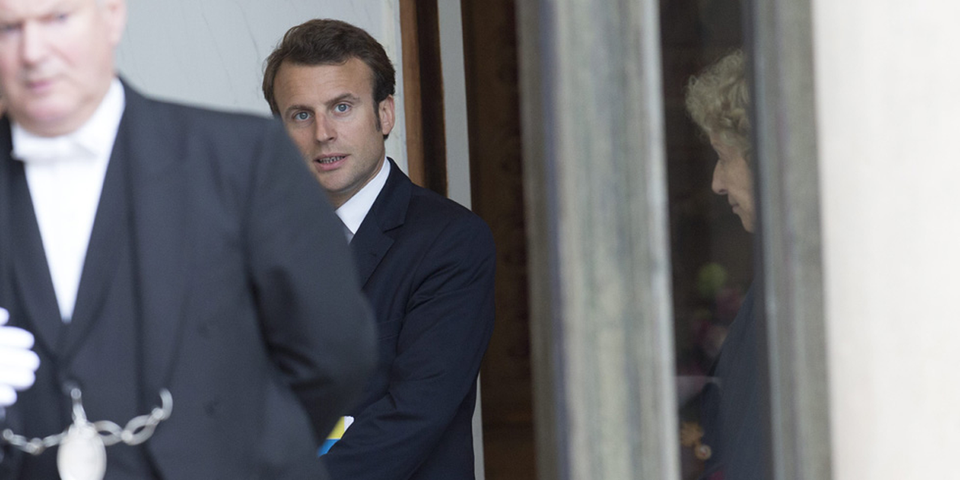 """35 heures : Emmanuel Macron plaide pour des """"dérogations aux règles du temps de travail et de rémunérations"""""""