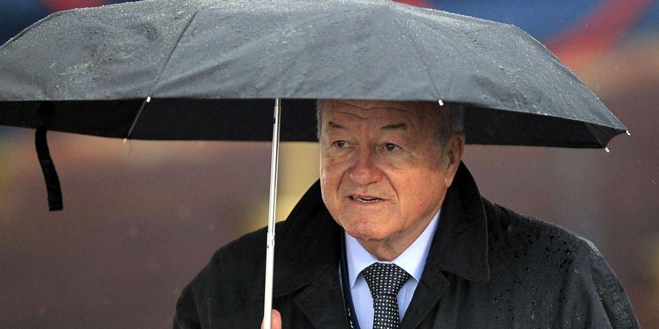 """Accusé d'avoir caché un million d'euros en Suisse, le député UMP Brochand dénonce un régime de """"Stasi"""""""