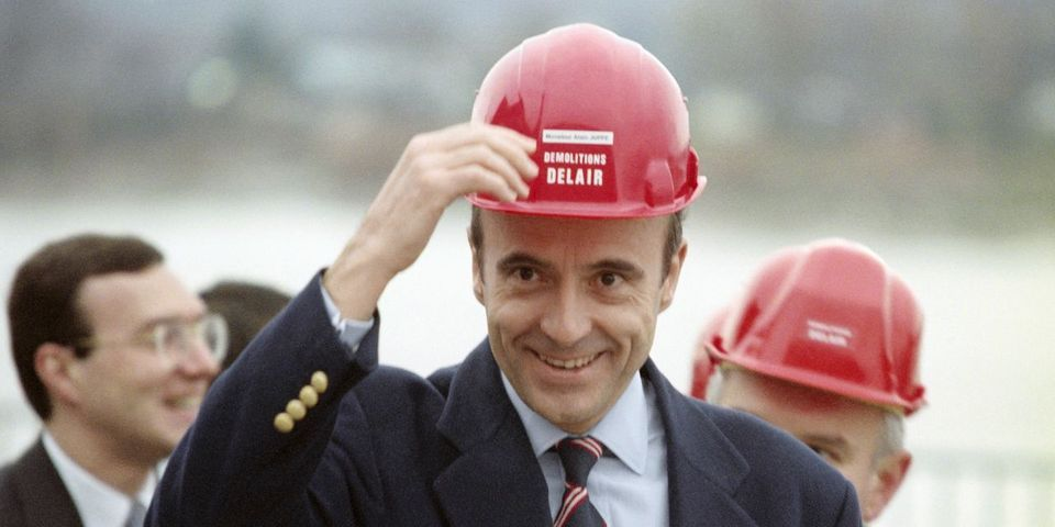 """Alain Juppé prévoit de se rendre au conseil national de l'UMP avec un """"gilet pare-balles"""" et le """"casque à boulons"""""""