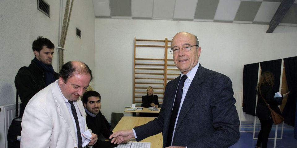 """Alain Juppé réfute la stratégie du """"ni-ni"""" et explique qu'à titre personnel, il voterait pour le PS dans le Doubs"""
