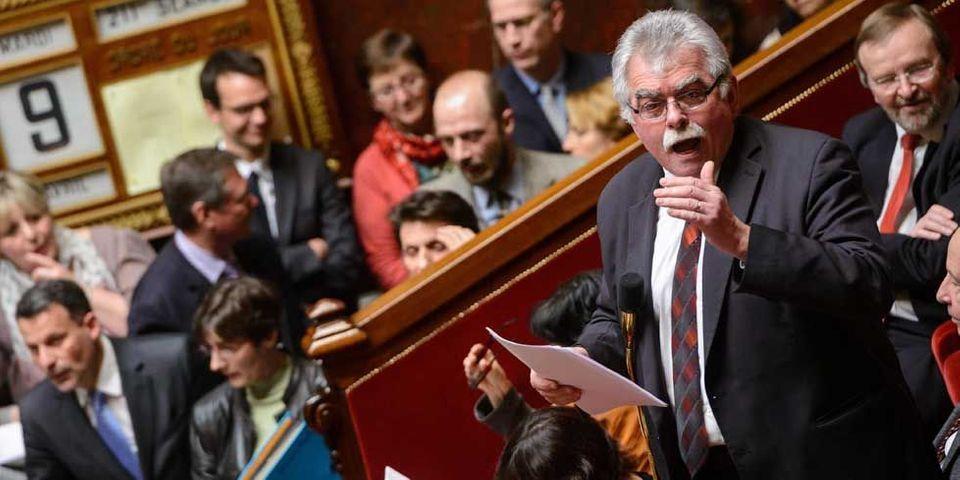 """André Chassaigne interpelle Alain Vidalies """"sur le niveau insuffisant de réponse des ministères aux questions écrites"""" des députés"""
