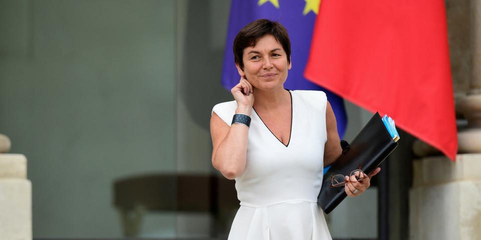 """Annick Girardin, la ministre des Outre-mer, critique ceux qui polémiquent sur Irma """"depuis un salon parisien"""""""
