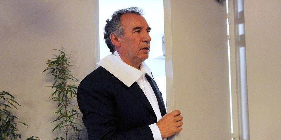 Après le recadrage de l'imam de Saint-Étienne-du-Rouvray, Bayrou maintient ses propos sur les liens entre la mosquée et les candidats au djihad