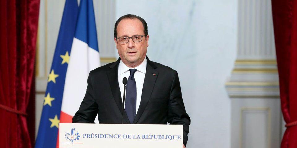 Attaques à Paris : François Hollande annonce l'état d'urgence et la fermeture des frontières