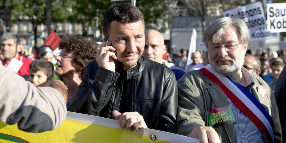 """Attentat à Charlie Hebdo : Olivier Besancenot refuse de défiler avec Nicolas Sarkozy et François Hollande et de """"mélanger notre tristesse"""""""