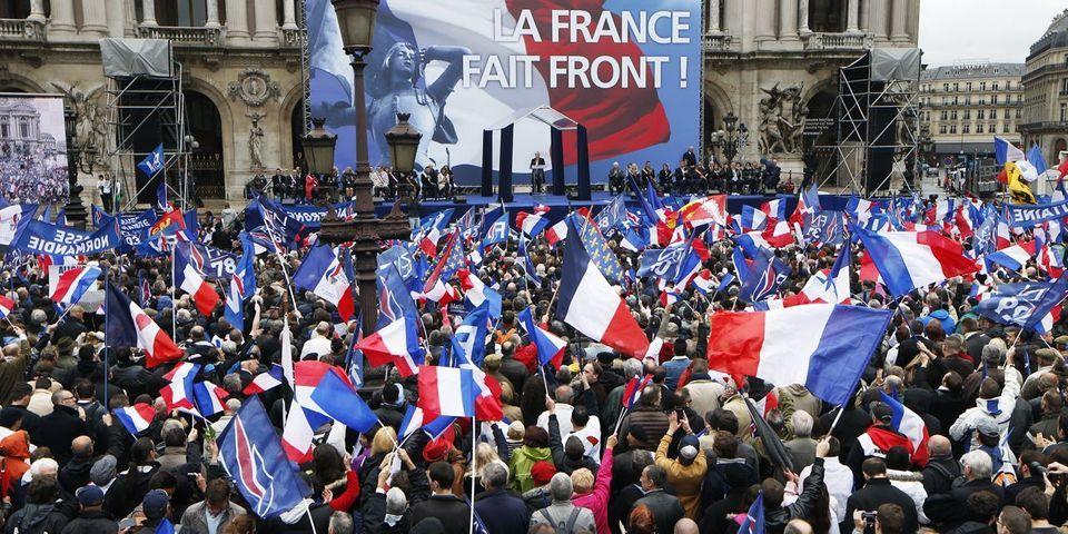 """Au 1er mai du FN, entre adorateurs de Jean-Marie Le Pen et """"furoncles"""" de l'extrême droite"""