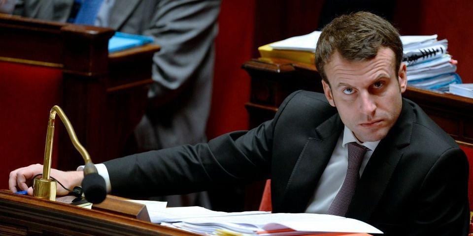 """Aux journalistes l'interrogeant sur le """"bordel"""", Emmanuel Macron répond : """"C'est vous qui le mettez"""""""