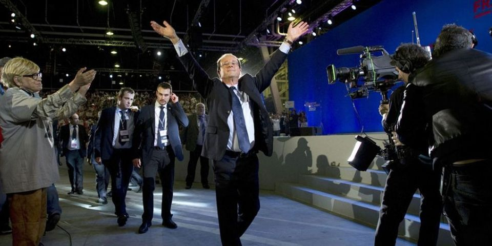 """Avec """"l'autorégulation exigeante"""" de Pierre Moscovici et le discours devant le SPD de François Hollande, le discours du Bourget s'éloigne"""