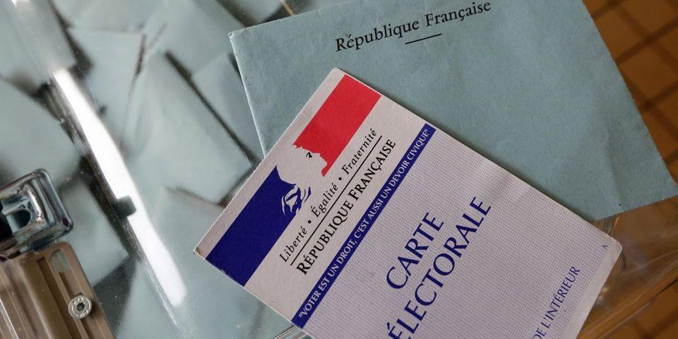 Avec le passage à droite du Sénat, les réformes constitutionnelles de François Hollande s'éloignent