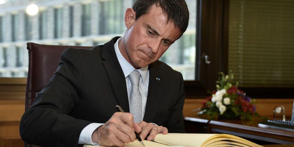 Avis aux amateurs : Manuel Valls dédicace son recueil de discours post-attentats à la Fnac d'Évry