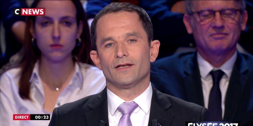 Benoît Hamon pousse un coup de gueule contre les journalistes à cause de l'avance de Marine Le Pen en temps de parole