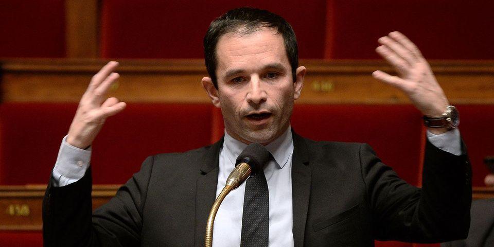 """Benoît Hamon trouve """"cohérente"""" une éventuelle entrée de Sens commun au gouvernement en cas d'élection de François Fillon"""