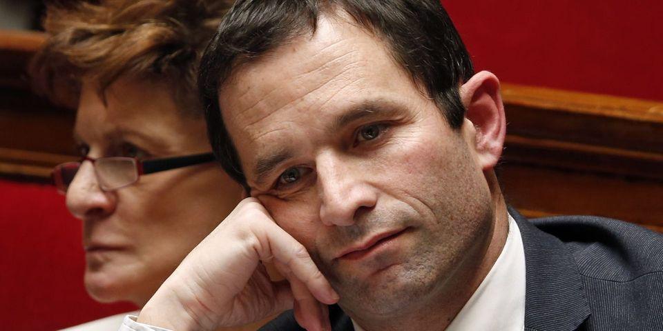 """Benoît Hamon """"va s'imposer une cure de silence"""", les frondeurs ne veulent pas """"lui ouvrir grand les bras"""""""