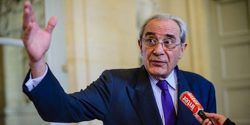 """Bernard Debré accuse une journaliste d'avoir franchi """"une ligne jaune"""" en évoquant la franc-maçonnerie d'un conseiller de NKM"""