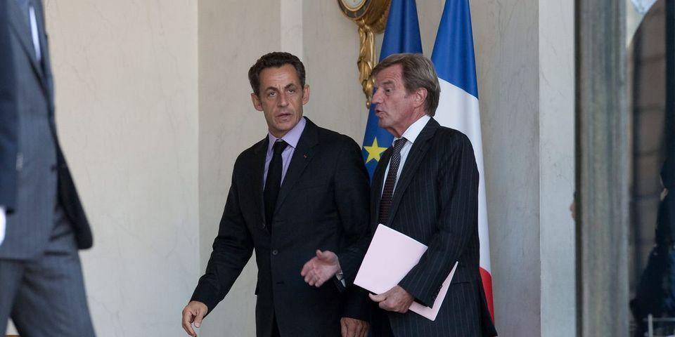 """Bernard Kouchner estime que Nicolas Sarkozy a été victime de """"racisme"""" à cause de ses origines"""
