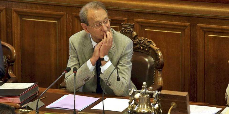 Delanoë renvoie l'équipe de NKM aux emplois fictifs et aux faux électeurs avant 2001