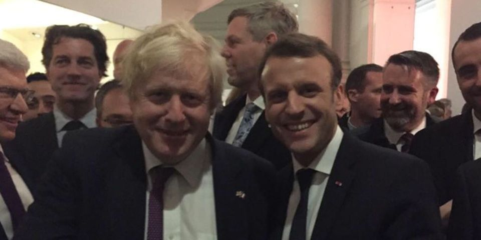 "Boris Johnson veut construire un pont pour traverser la Manche, Emmanuel Macron approuve : ""Let's do it"""
