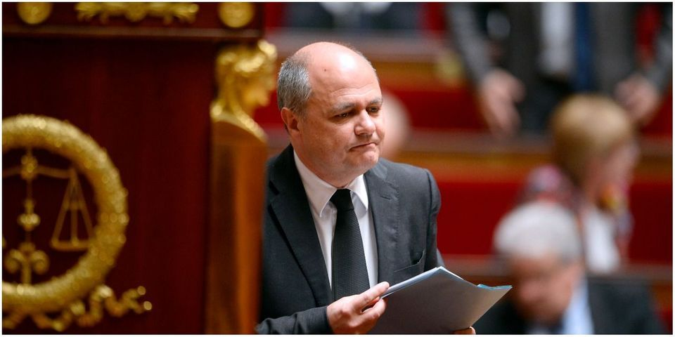 """Bruno Le Roux accuse les médias de faire preuve de """"mansuétude"""" à l'égard de Jean-Marie Le Pen"""