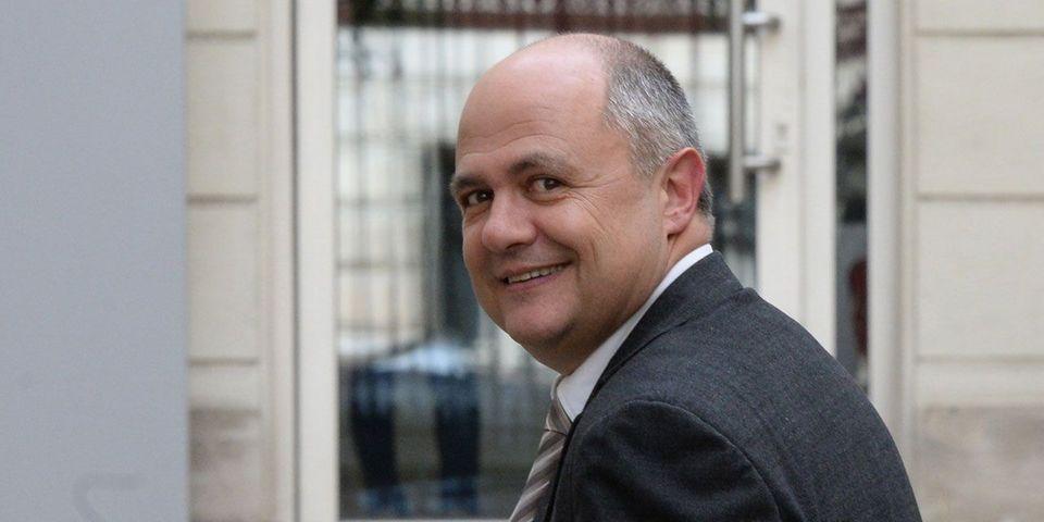 """Bruno Le Roux assure que François Hollande n'a pris """"aucune mesure par intérêt électoral"""""""