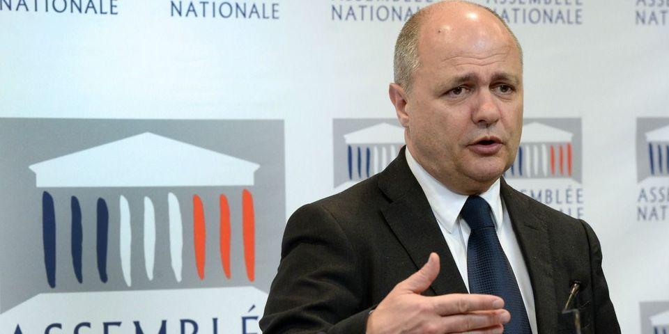 """Calais : Bruno Le Roux ne serait """"pas choqué"""" que l'Etat transfère des migrants en jet privé"""