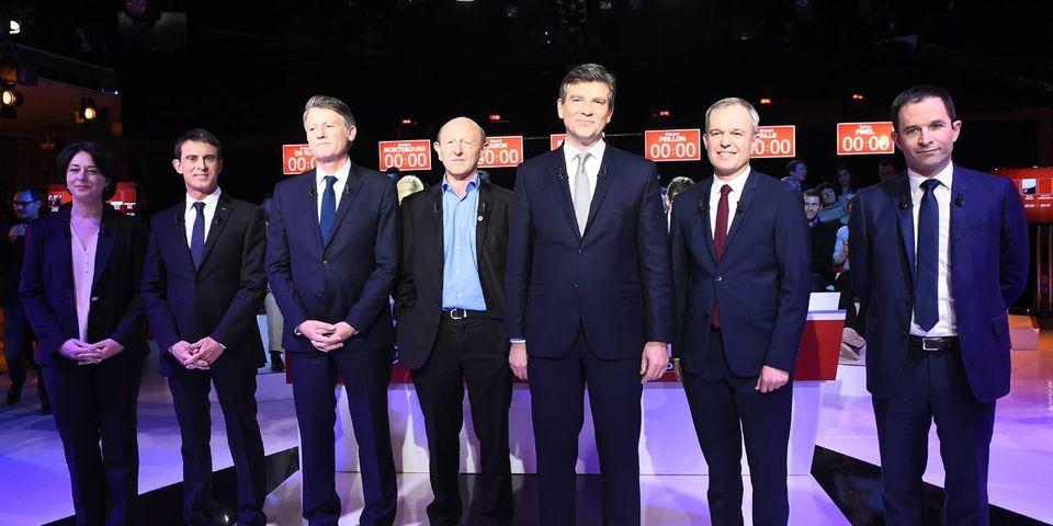 Ce moment où Manuel Valls pousse Sylvia Pinel pour être mieux placé sur la photo des candidats à la primaire