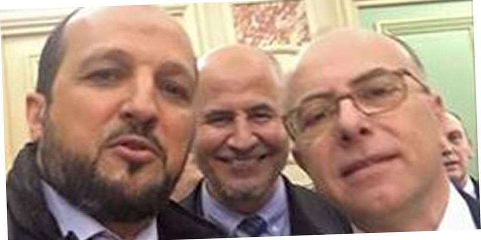 Ce selfie de Bernard Cazeneuve avec le président de l'UOIF et un imam de Nice qui énerve le FN