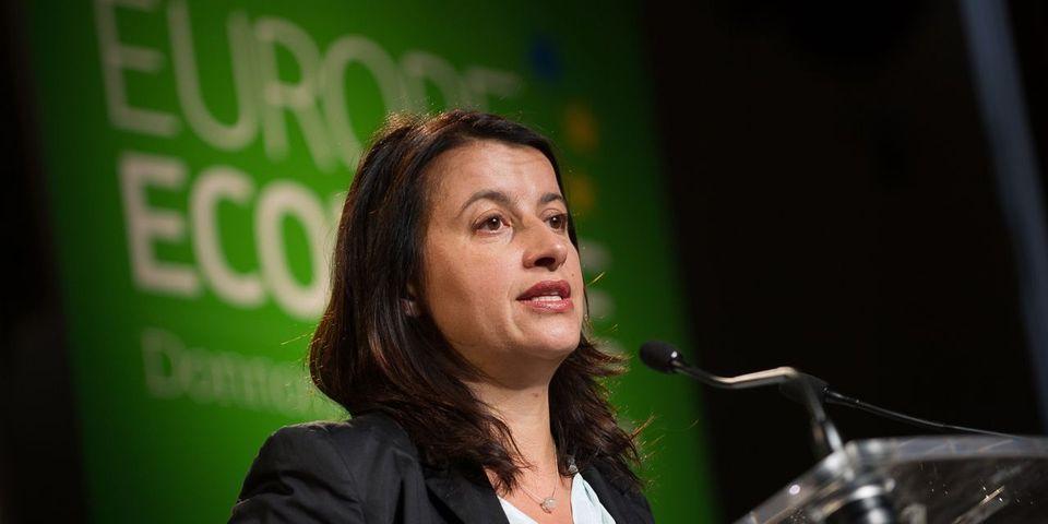 """Cécile Duflot voit en Christiane Taubira, qui a démissionné sur fond de désaccord politique majeur avec le gouvernement, un """"modèle"""""""
