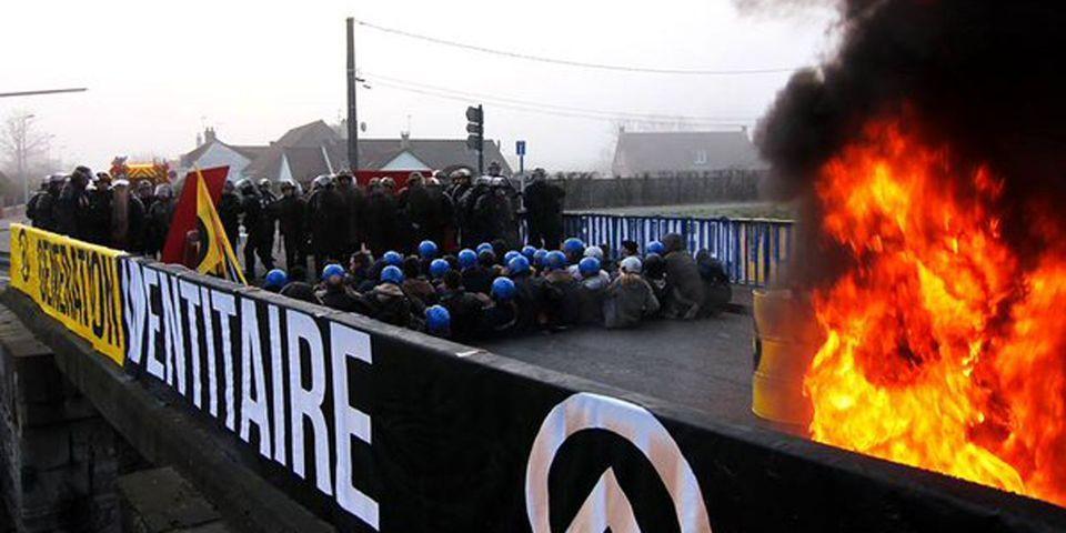 Ces élus FN qui défendent les identitaires condamnés après avoir manifesté à Calais