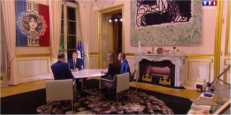 """Cet instant gênant où Emmanuel Macron dit aux trois journalistes qu'ils sont riches et que Pujadas lui rétorque """"vous aussi"""""""