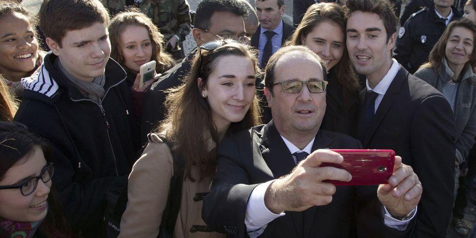 Comment François Hollande se tient informé de ce qu'il se passe sur les internets
