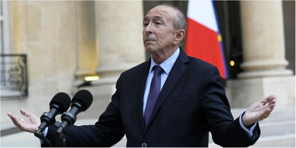Comment Gérard Collomb minimise les tentes de migrants lacérées à Paris