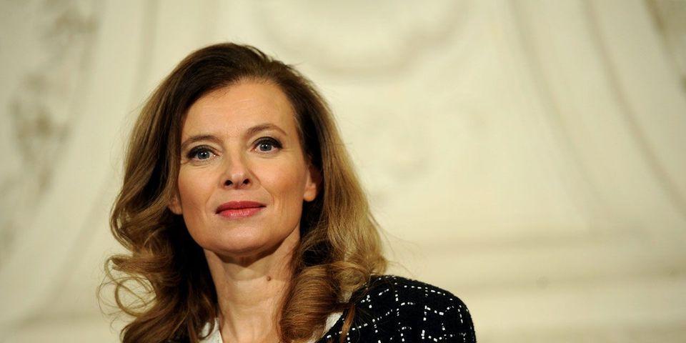 Dans un tweet, et des retweets, Valérie Trierweiler soutient Maude Versini et pollue la visite d'Etat de François Hollande au Mexique
