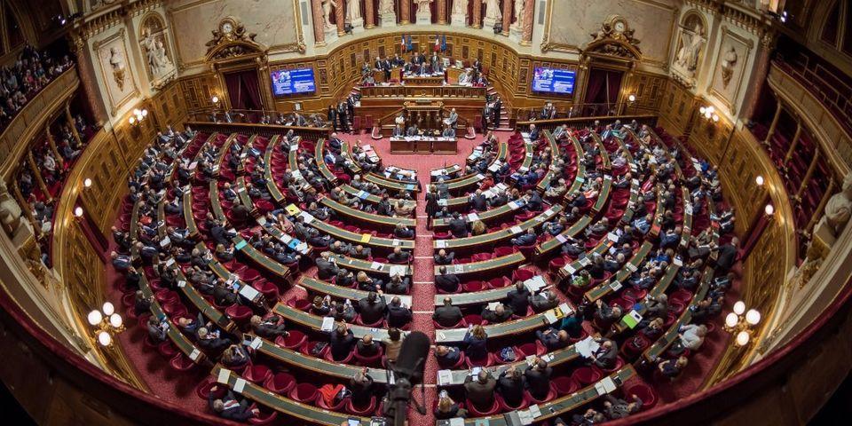 """Découverte d'un """"système d'emplois fictifs"""" au groupe UMP du Sénat de 2002 à 2014, selon Le JDD"""