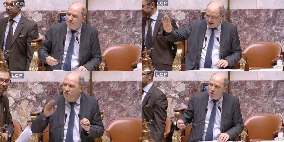 Denis Baupin, vice-président de l'Assemblée, se trompe dans un vote et lâche un gros juron en présidant la séance
