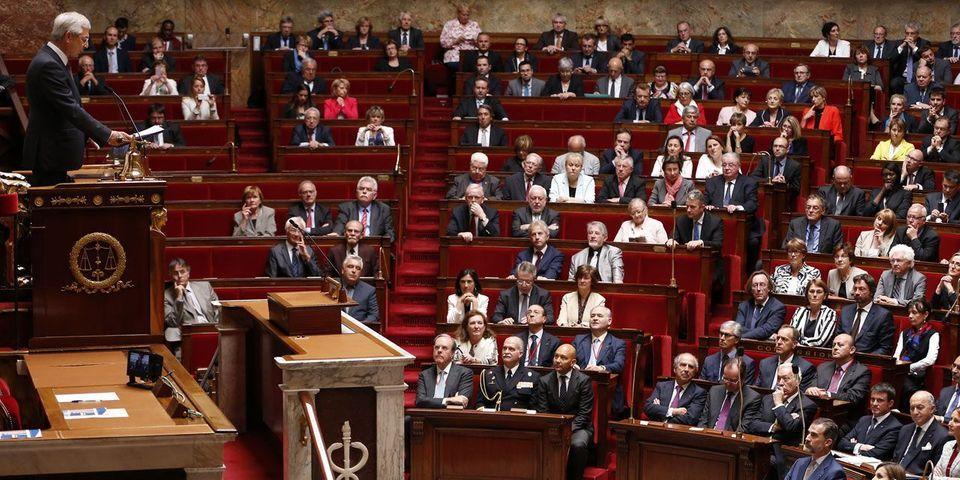 """Des assistants parlementaires s'inquiètent d'un possible """"détournement"""" de crédits au groupe PS"""