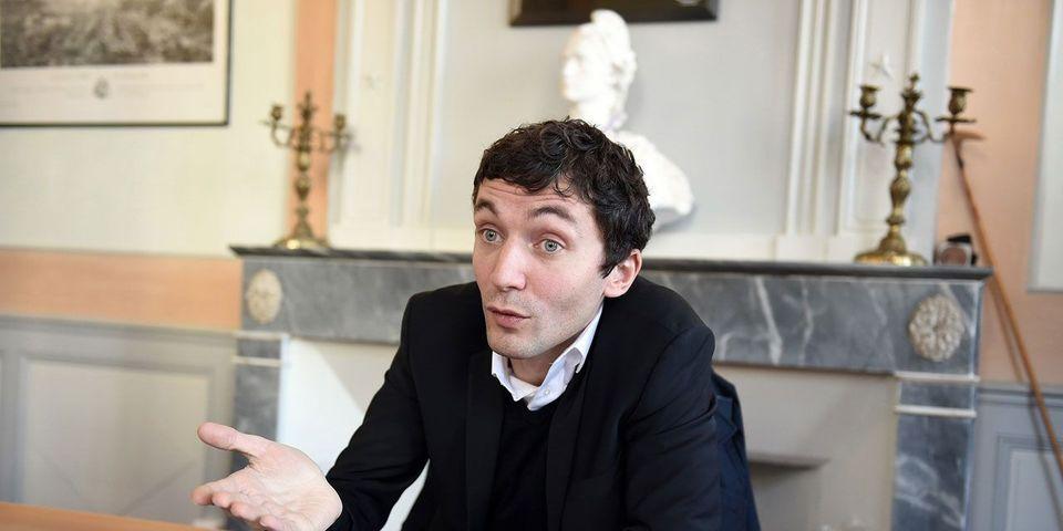 Des commerçants musulmans portent plainte contre le maire FN de Beaucaire, Julien Sanchez