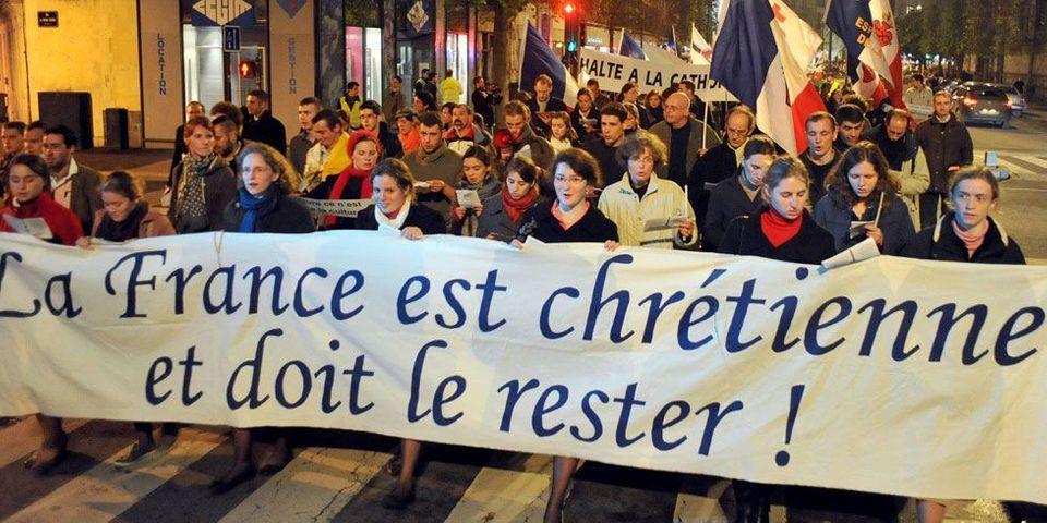 Des députés UMP soutiennent les catholiques intégristes