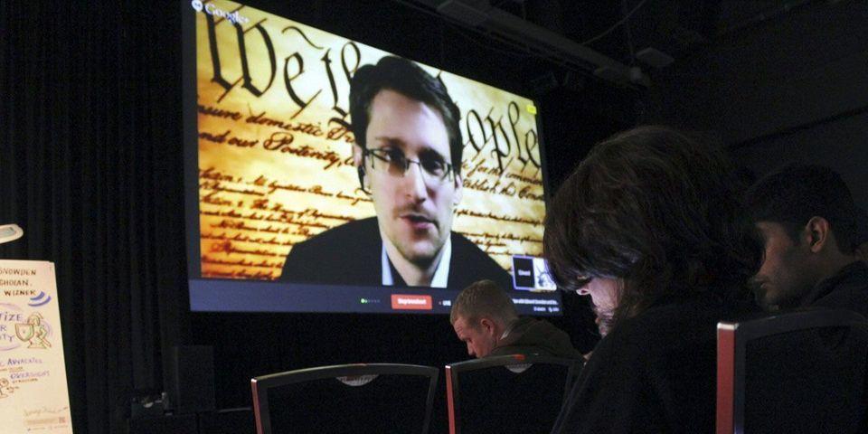 Après EELV, des parlementaires UDI et PS veulent que la France accorde le droit d'asile à Edward Snowden