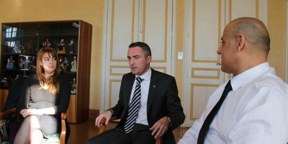 Deux élus UMP de Marseille rallient le FN