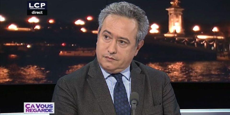 """Dominique Tiberi estime que François Fillon, en visite avec NKM dans le 5e arrondissement, n'a """"pas beaucoup de dignité"""""""
