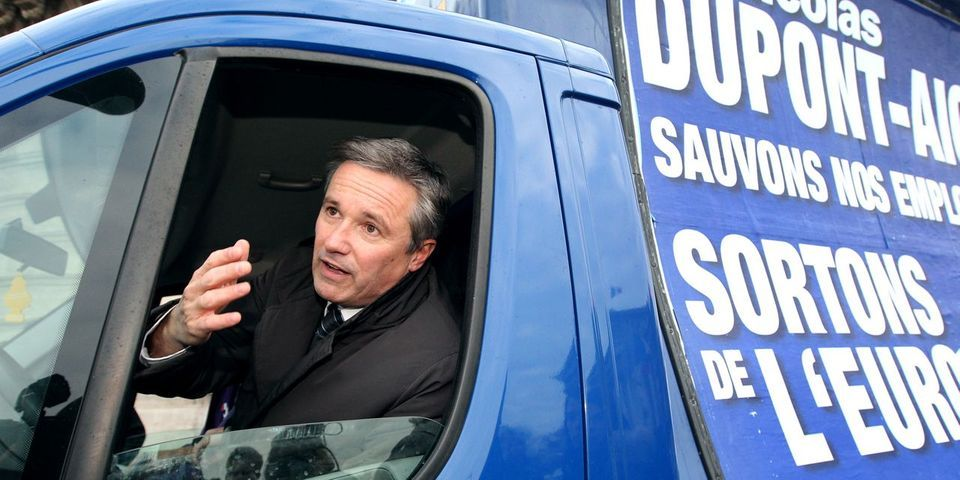 Dupont-Aignan écrit à Bartolone après la course-poursuite entre un candidat DLF et un député PS à bord d'une voiturette et d'une Zoé électrique
