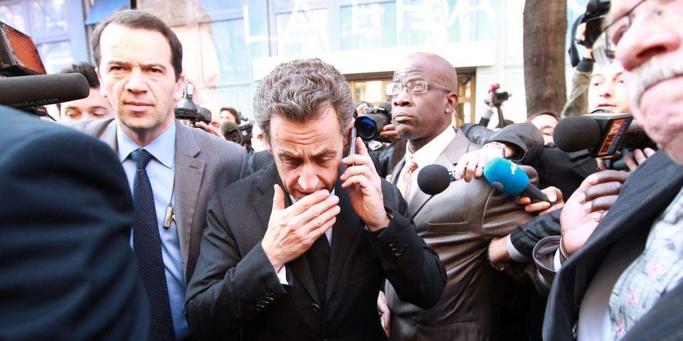 Ecouté par les juges, Nicolas Sarkozy assure ironiquement au téléphone ouvrir un compte en banque à Genève