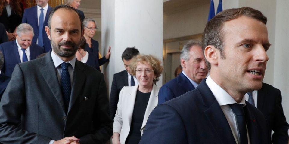 """Edouard Philippe ironise sur sa relation avec """"ce castrateur"""" Emmanuel Macron : """"J'ai la boule au ventre tous les matins"""""""