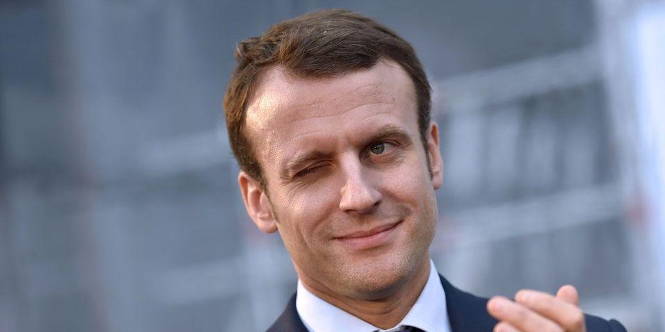 """Emmanuel Macron compte mener En marche """"jusqu'au sommet"""""""