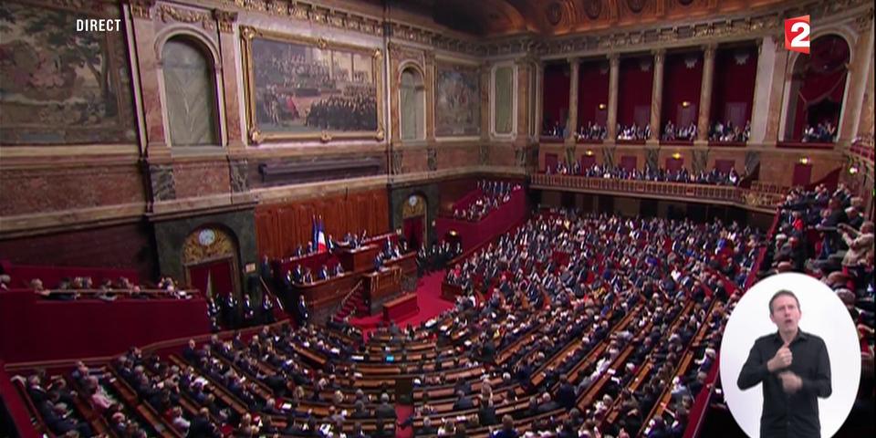 Emmanuel Macron confirme qu'il réunira le Congrès tous les ans