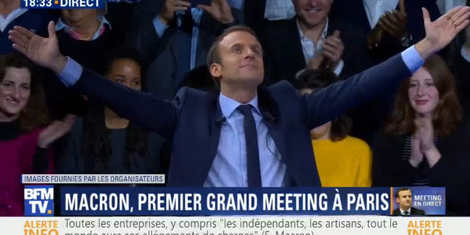 "Emmanuel Macron ne ""renie"" ni ne ""revendique"" la dimension christique"